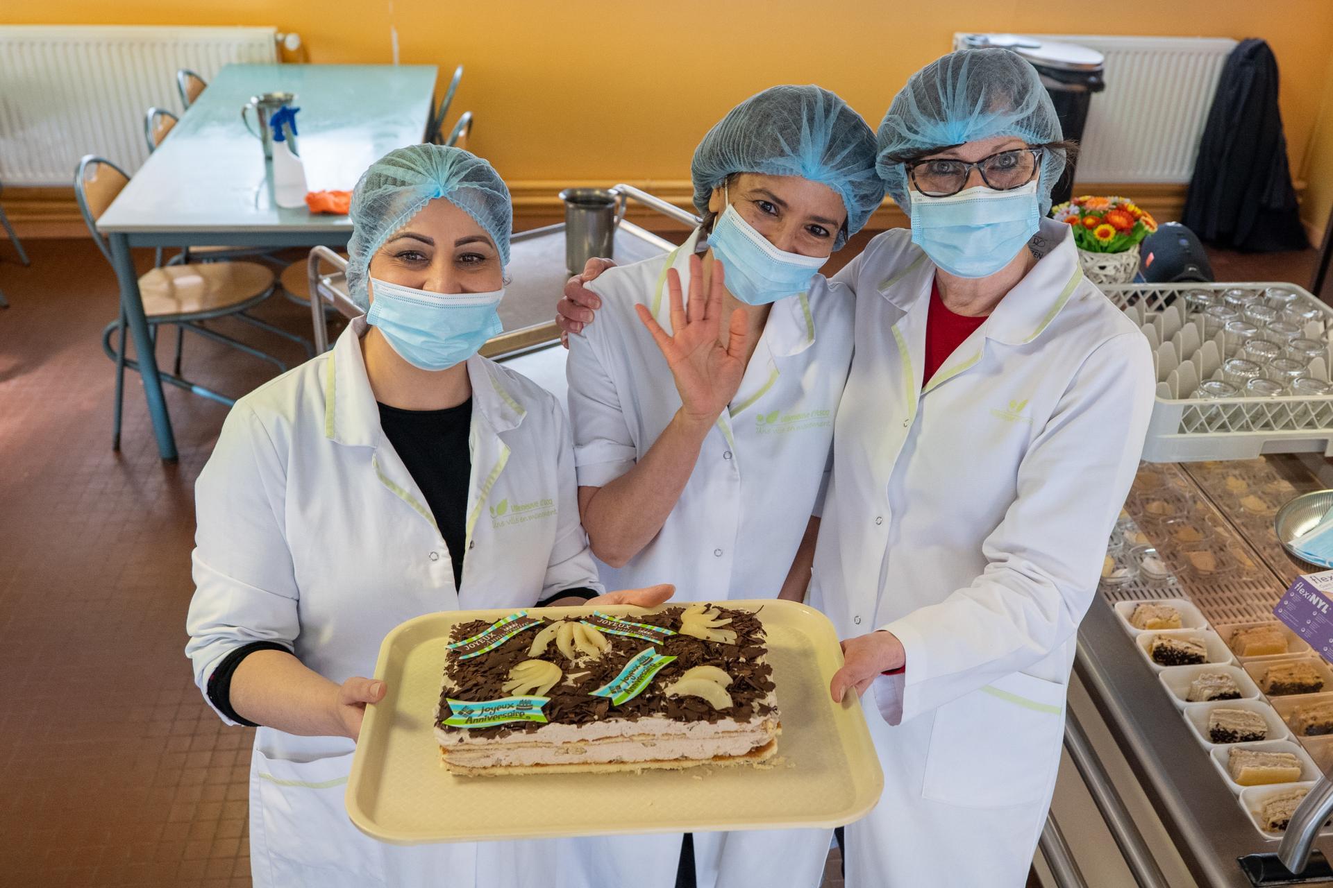 Gâteau des 50 ans de la ville dans les écoles